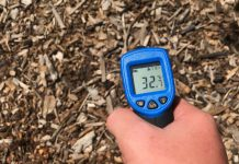 temperature thermometer in mulch