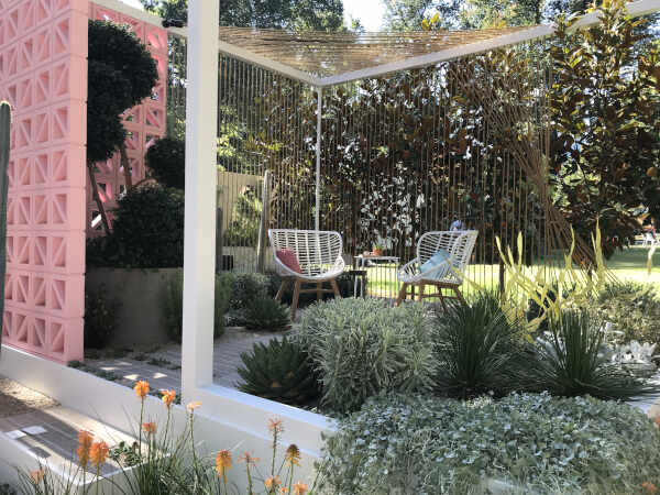 garden with rope fencing
