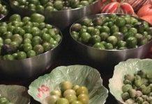 tomatillos in bowls