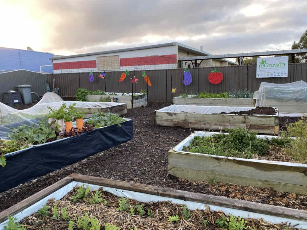 kingscote community garden